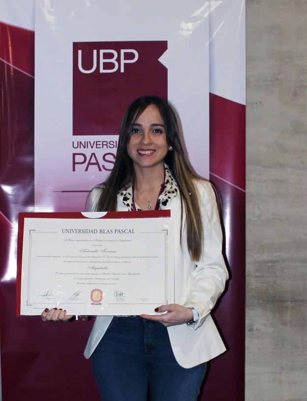 Egresaron más 300 alumnos de la UBP