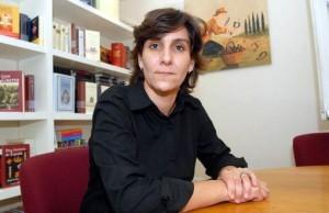 Escritora y docente: sus historias giran por Francia