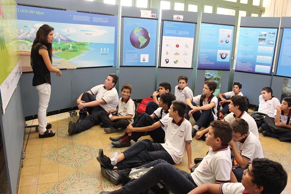 Colegios cordobeses visitan la Sala de Agua en la UBP