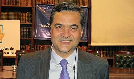 Luis Valle, docente de la UBP.