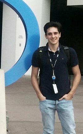 Un egresado UBP en el centro mundial de la tecnología