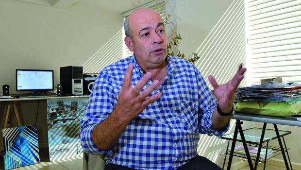 Alejandro Soneira, docente de la Universidad Blas Pascal.