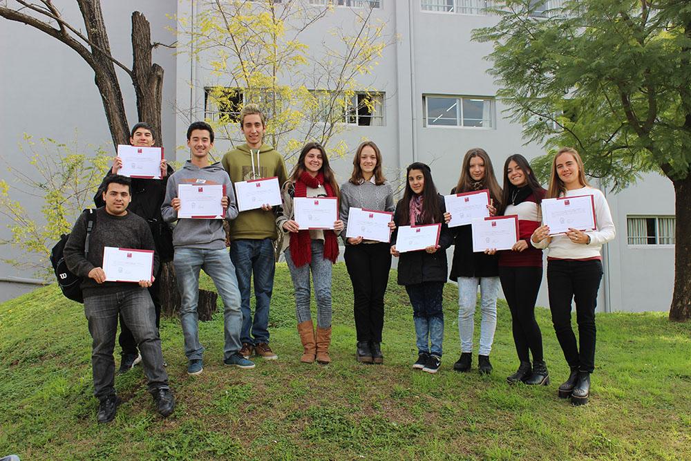 Mejores alumnos del colegio, que eligen la UBP