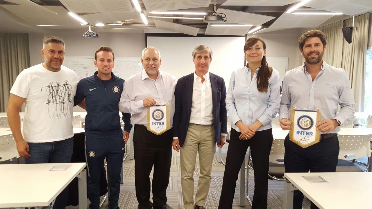 Proyectando ideas de colaboración con el Inter de Milán