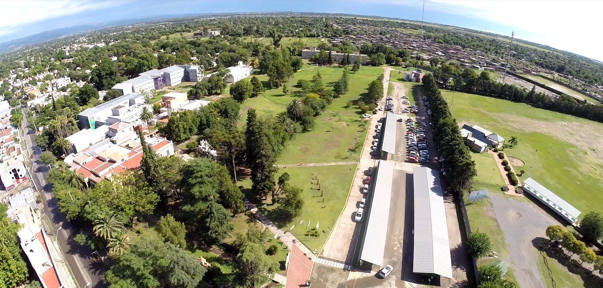 Nace un polo educativo entre la Universidad Blas Pascal y la Academia Argüello