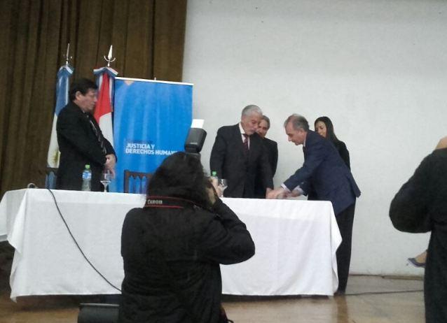 Firma con el Ministerio de Justicia y Derechos Humanos de la Provincia