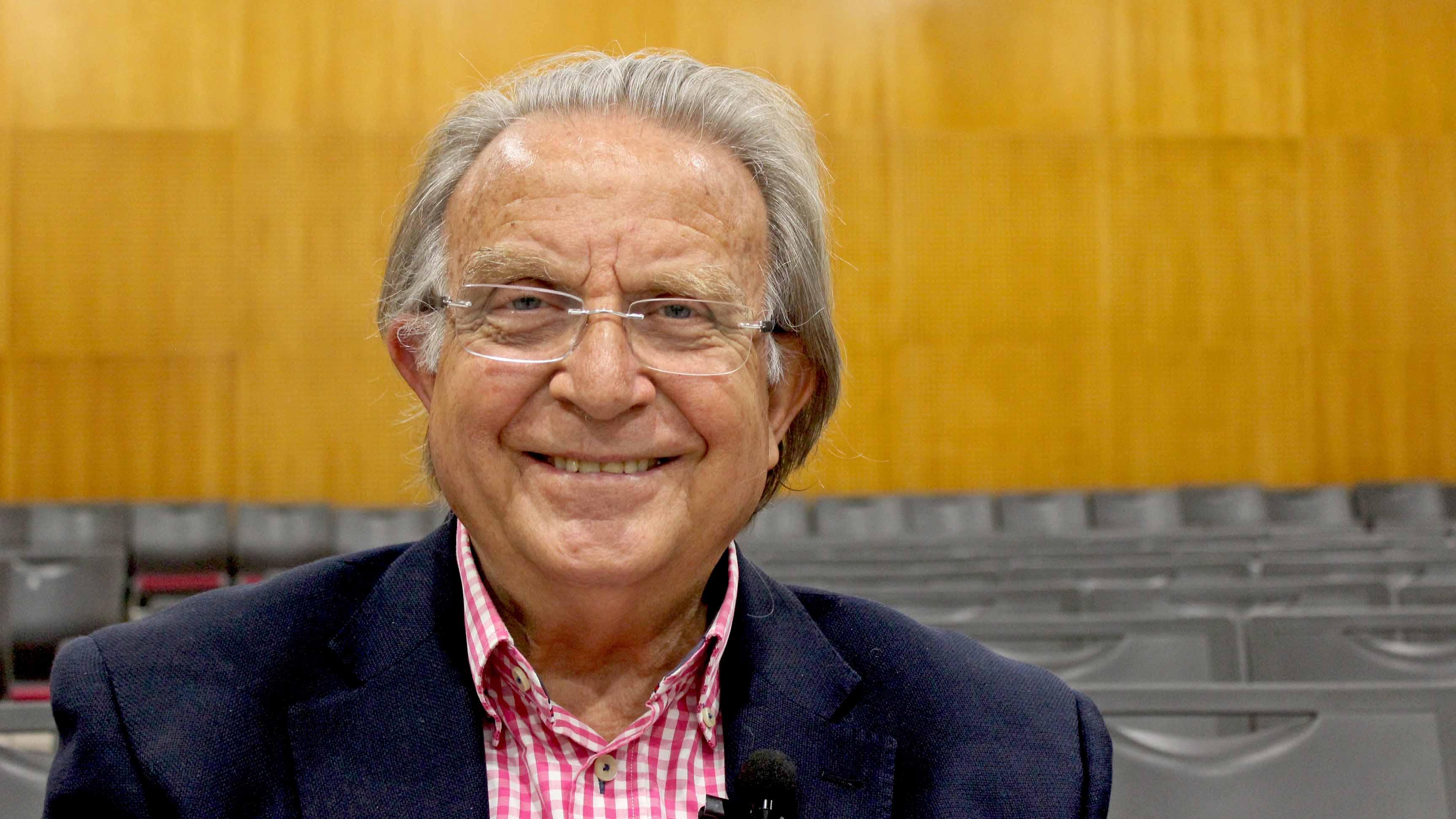 """Santos Guerra: """"La pieza clave de la educación es el profesor"""""""