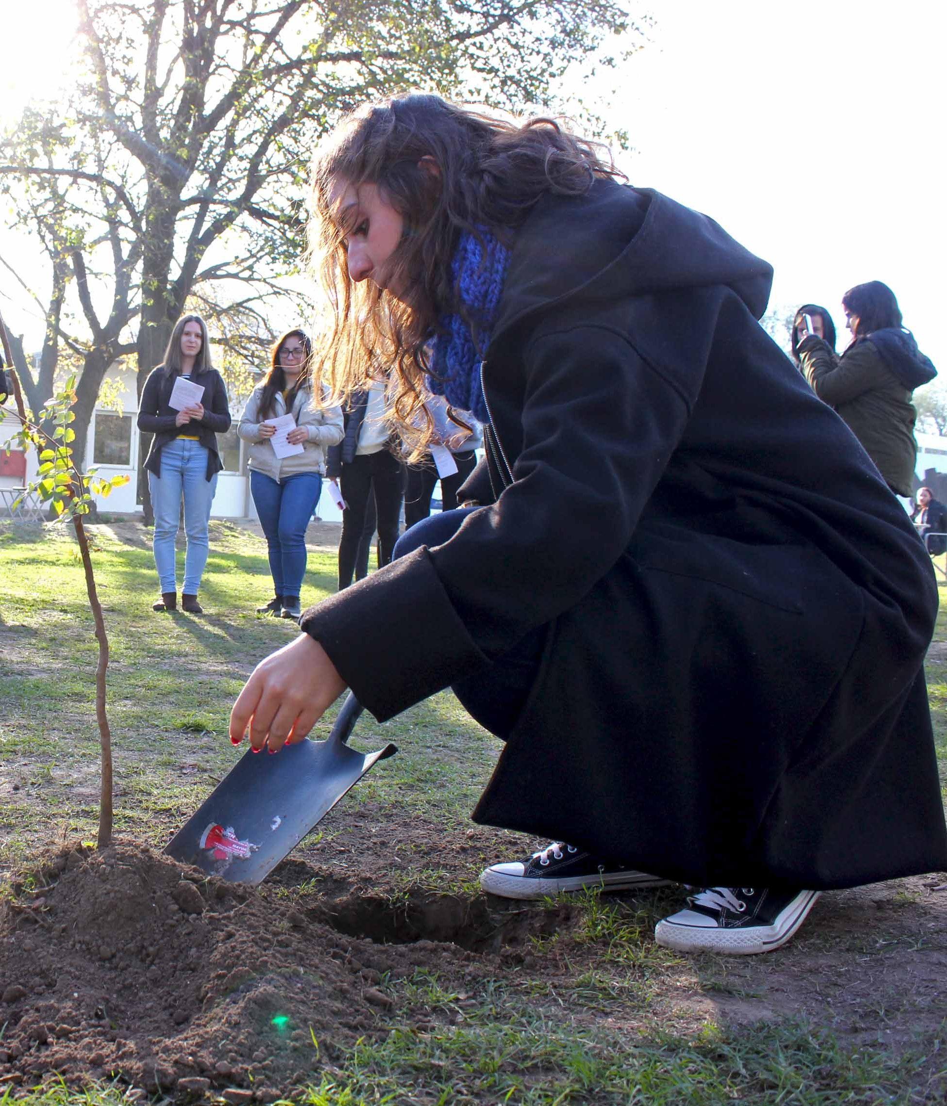 Reforestación en la UBP por el Día del Medio Ambiente