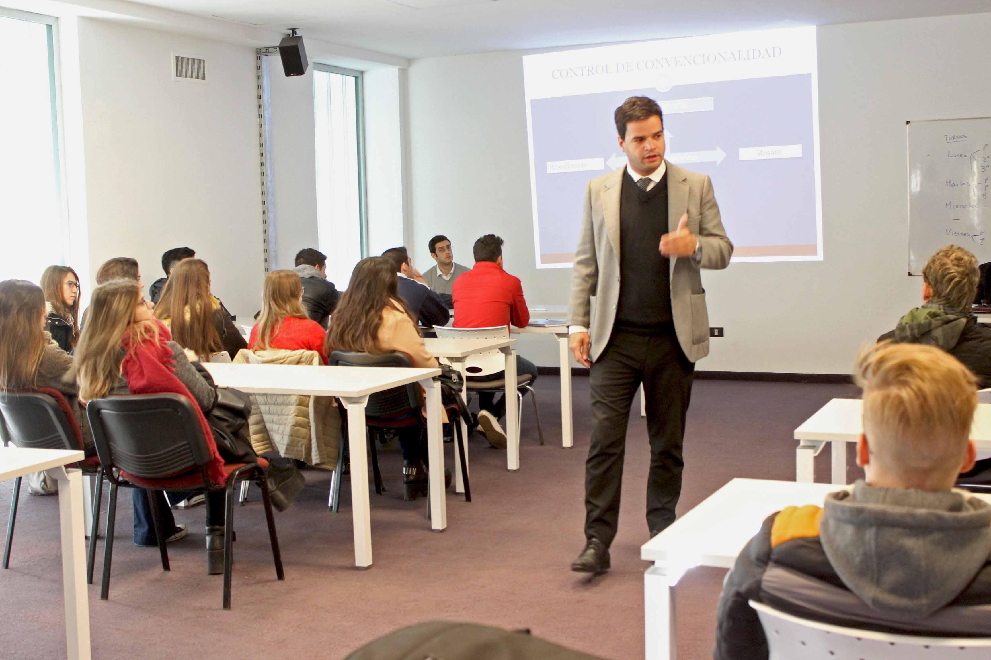 Alumnos UBP analizan el caso Fontevecchia y D'Amico
