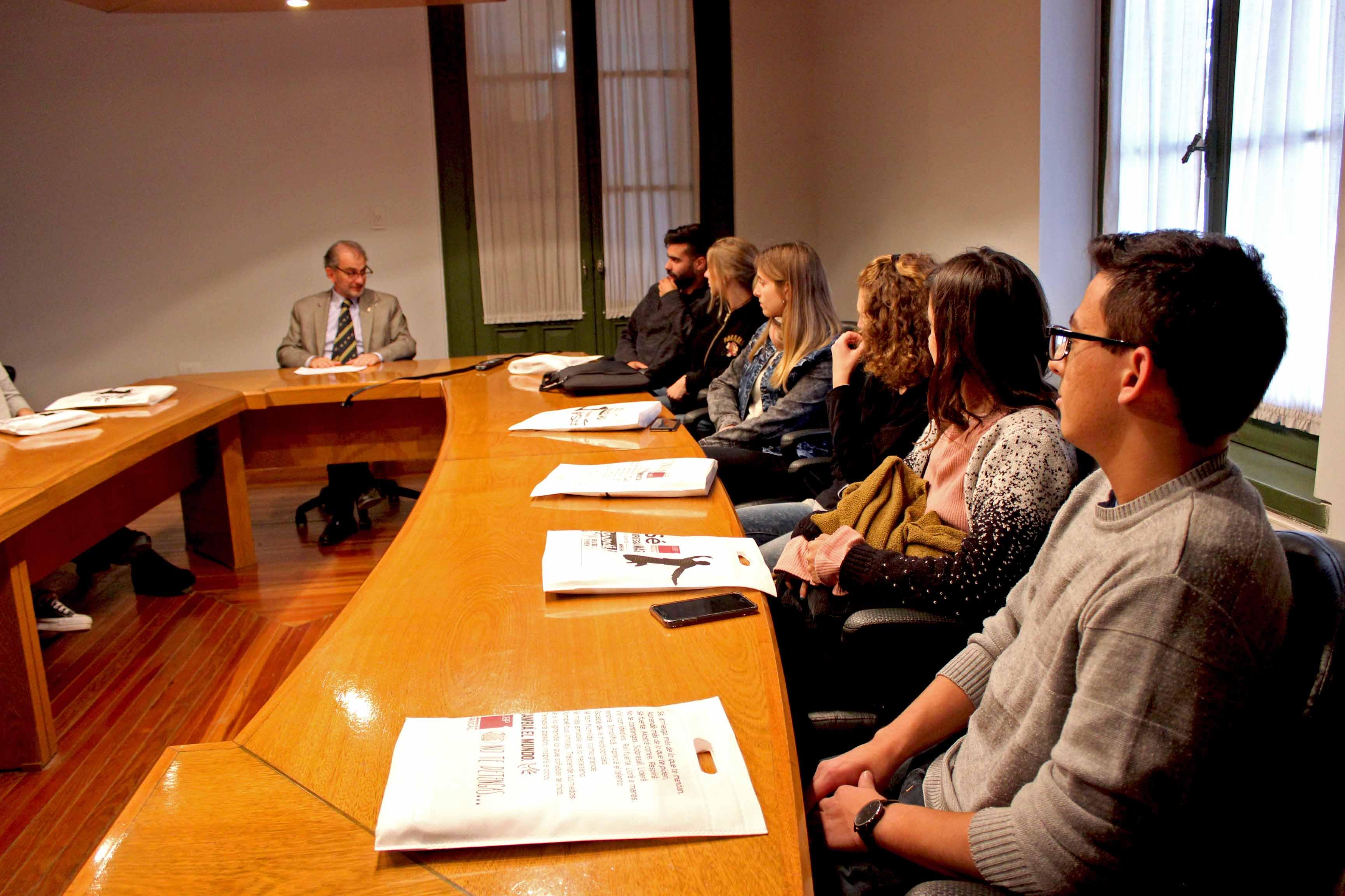Once alumnos cursarán el próximo semestre en el exterior