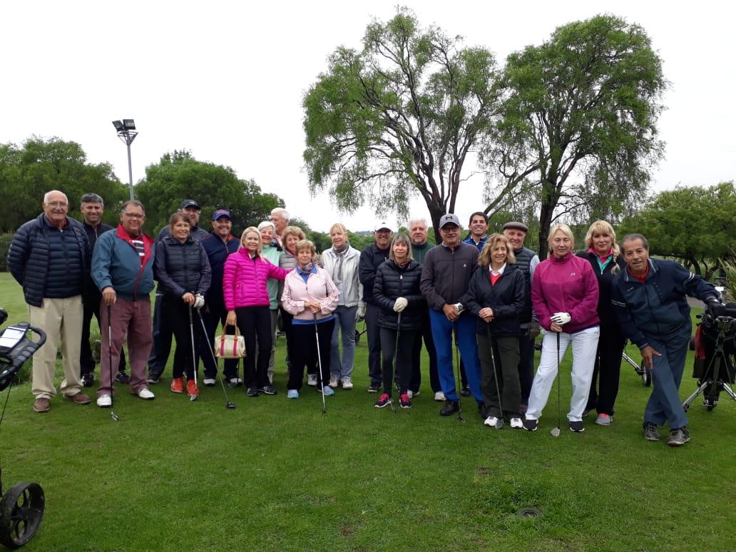 Aulauniversitaria organizó un torneo de golf
