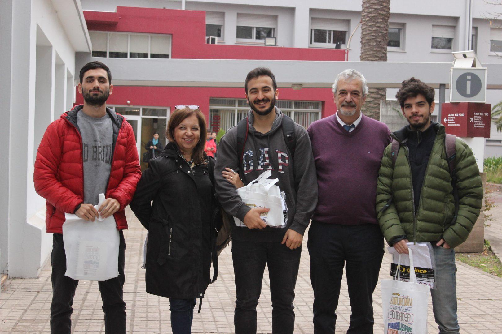 Alumnos de la UBP ganan beca internacional