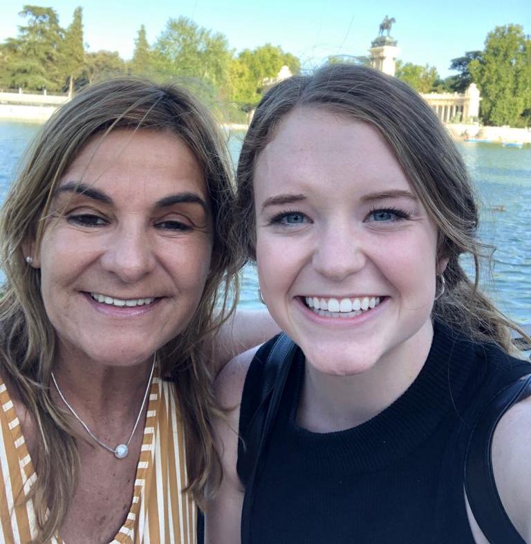 Vínculos que se mantienen: familia anfitriona y alumna extranjera