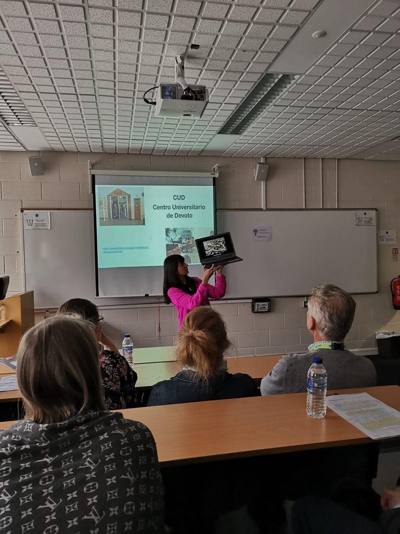 Alumna lleva a Europa su experiencia como educadora en contextos de encierro