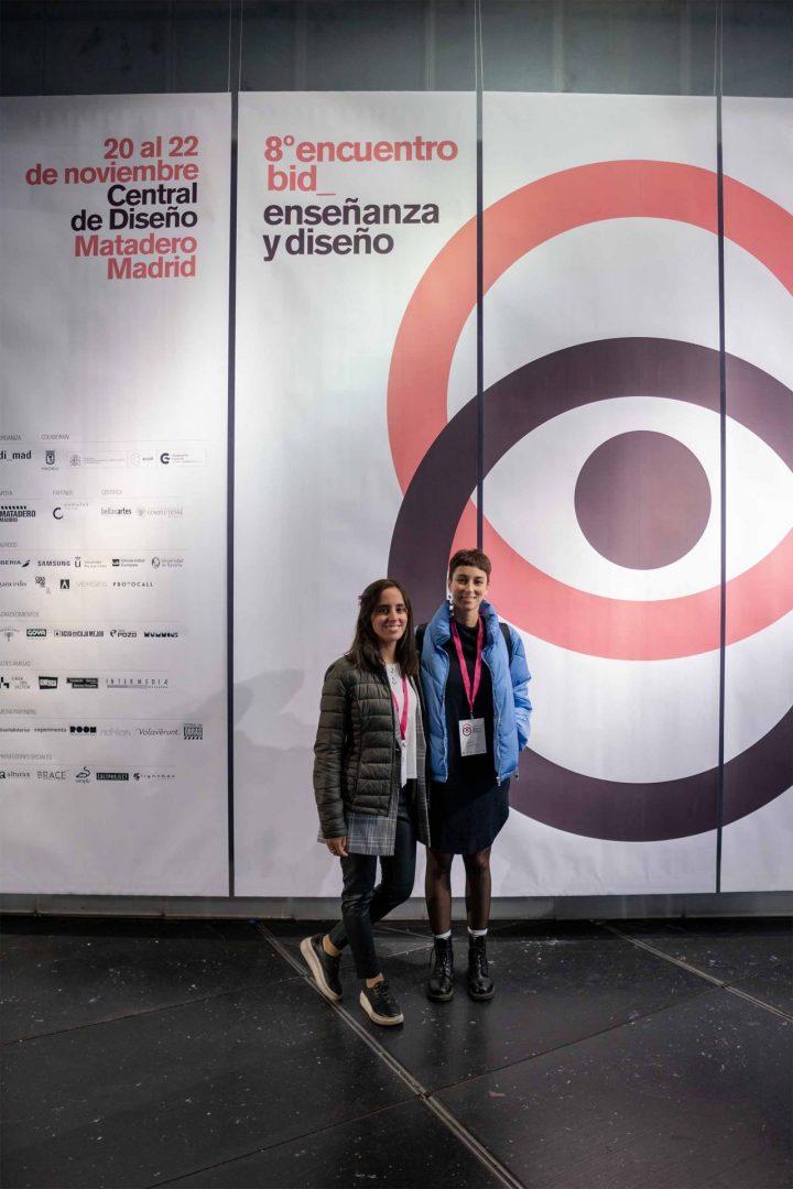 Egresadas participan de una exposición internacional