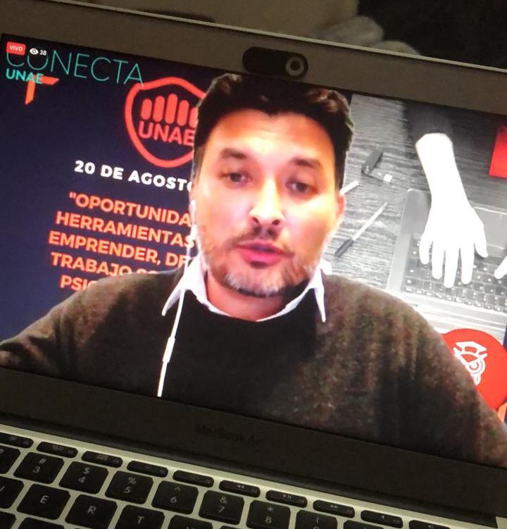 El Lic. Álvarez llevó su experiencia a Paraguay