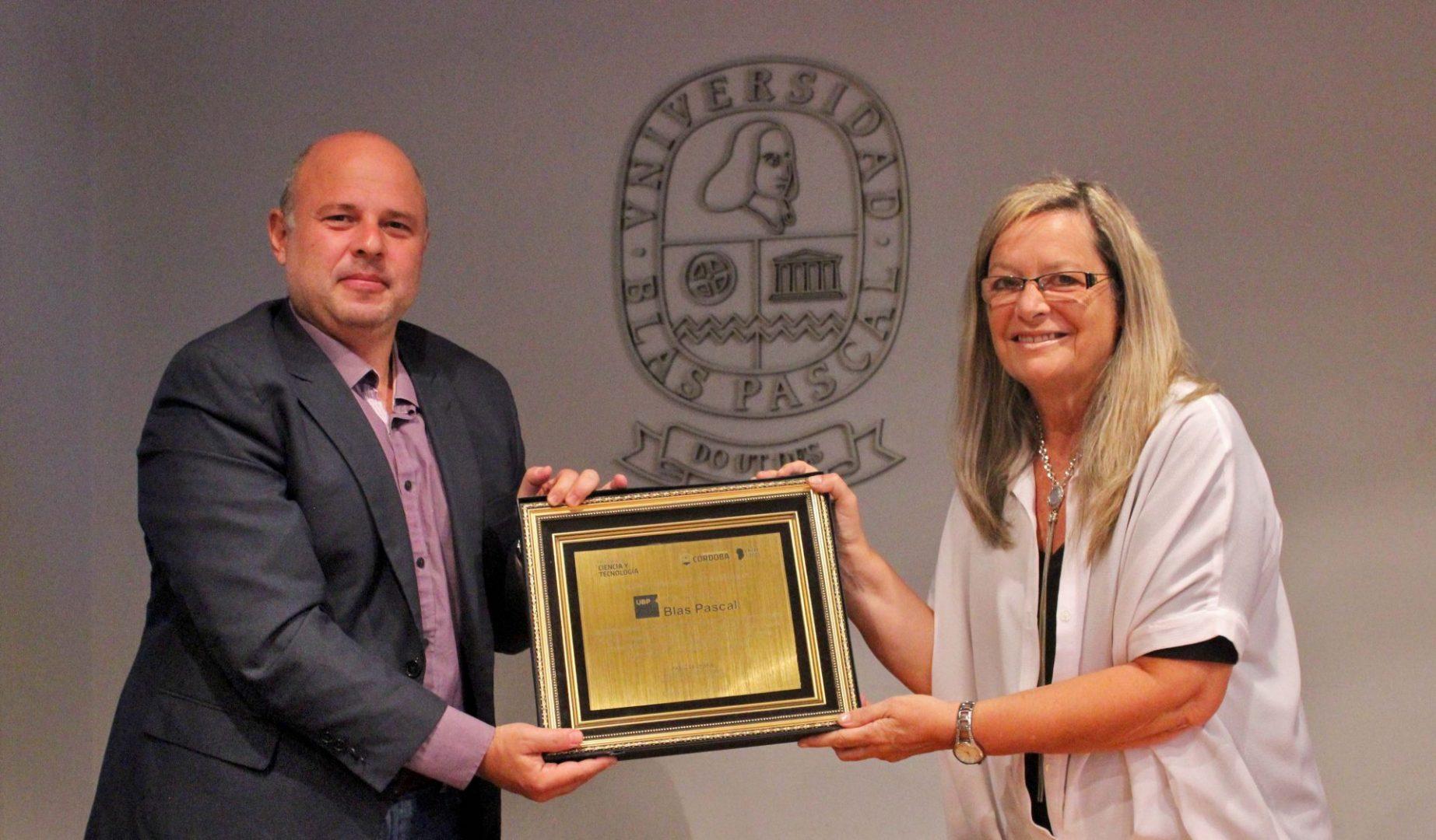 El Ministerio de Ciencia y Tecnología conmemora los 30 años de la UBP