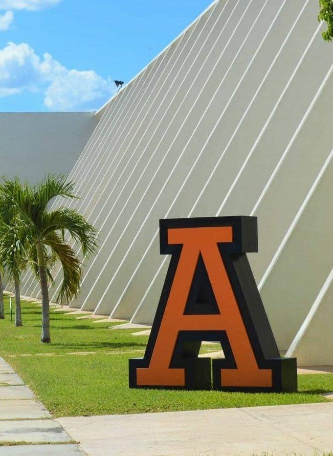 Convenio con la Universidad Anáhuac Cancún: intercambios, capacitaciones e investigación