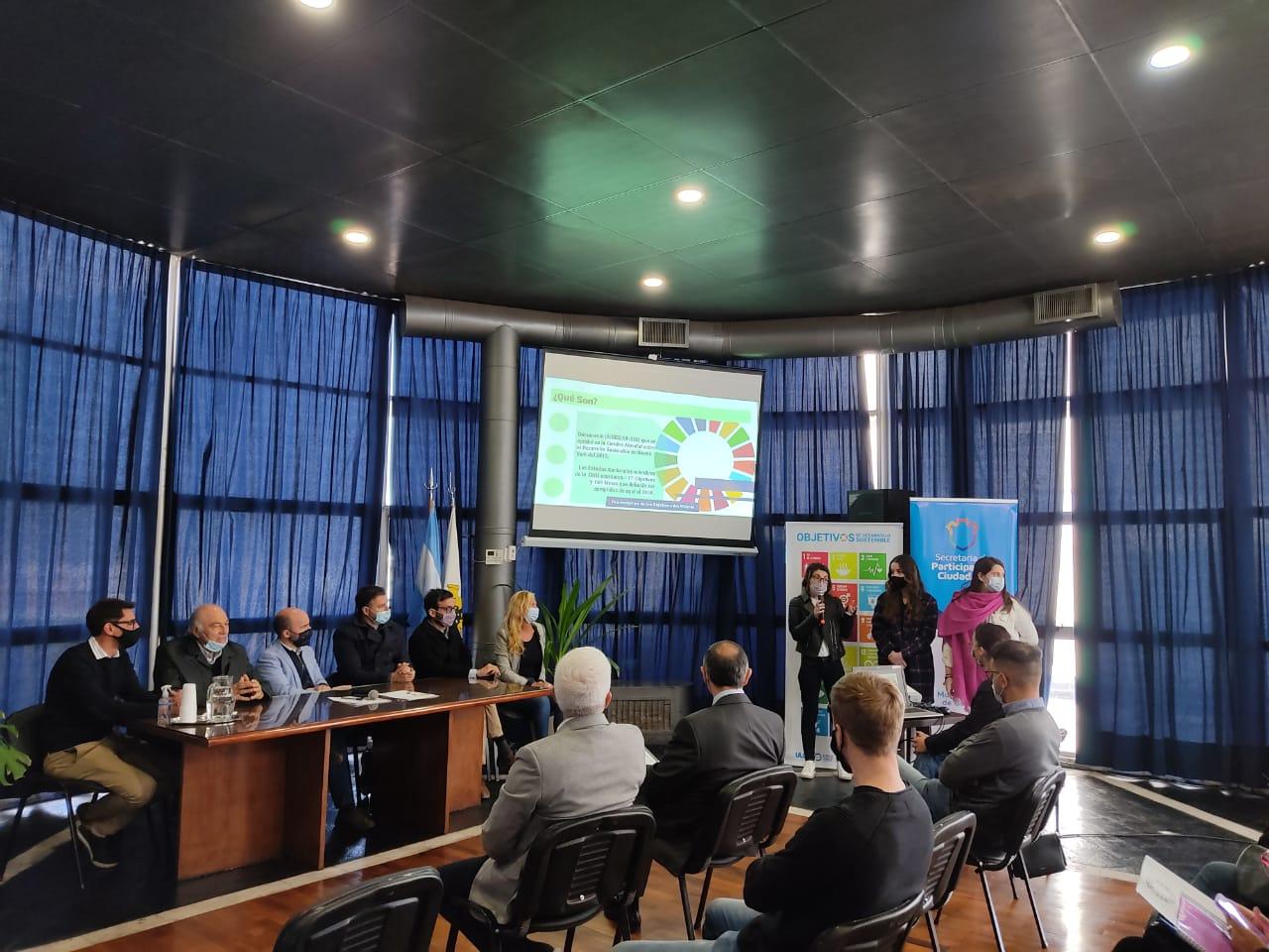 Proyecto ODS-Municipal: estudiantes visitaron los CPC para presentar su propuesta