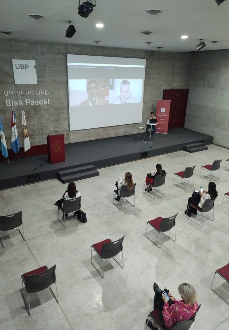 Actualización profesional de Circom: datos, empatía y el comunicador como transformador
